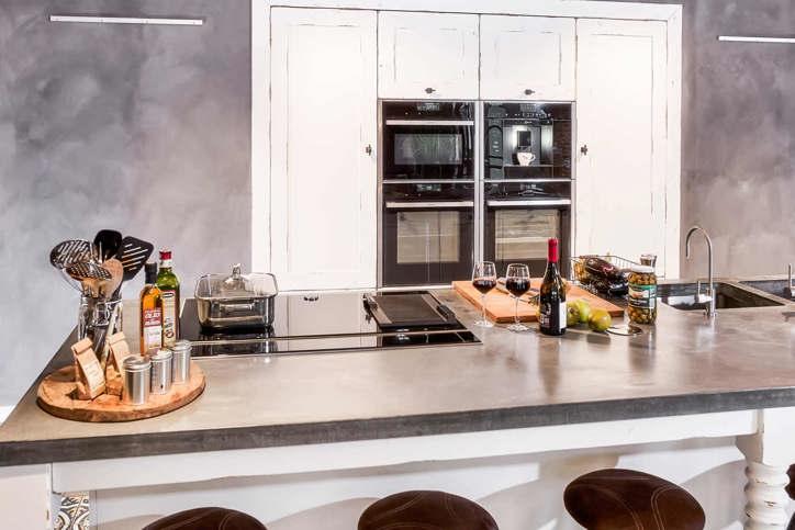Houten keuken met beton? lees blog vol inspiratie en voorbeelden