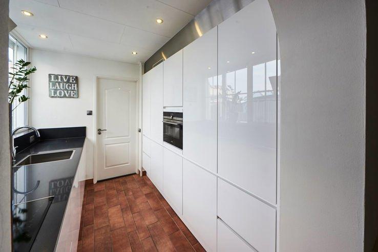 Hoogglans Keuken Bekijk Voorbeelden Ook In Wit