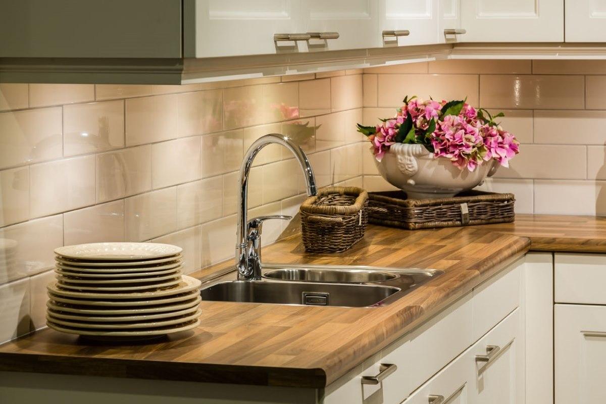 Tegels Voor Achterwand Keuken : Wandtegels keuken. Breng sfeer in keuken! Informeer. – DB Keukens