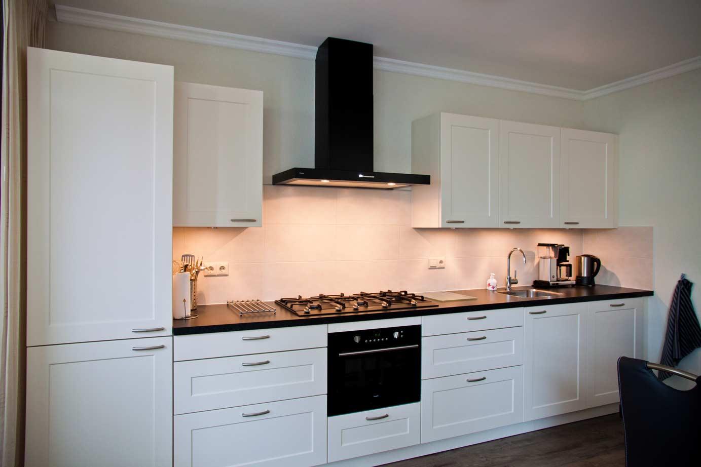 Uitzonderlijk Meer licht. Meer licht en ruimte in de keuken? Lees tips! - DB Keukens #LV11