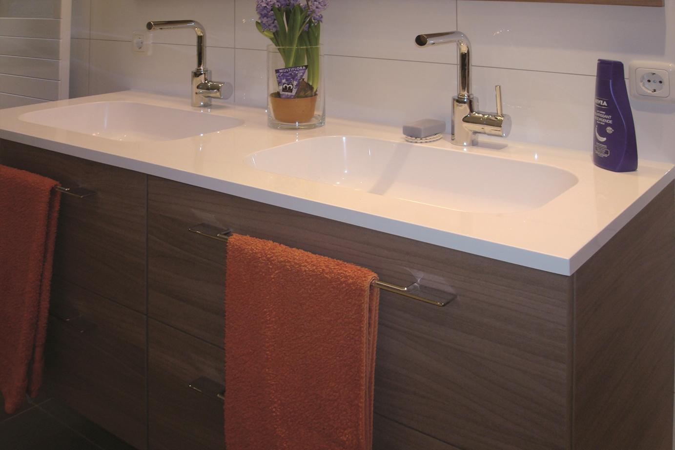 Tegels badkamer vervangen kosten tegelzetter een overzicht tegelzetter badkamer - Tegellijm keuken ...