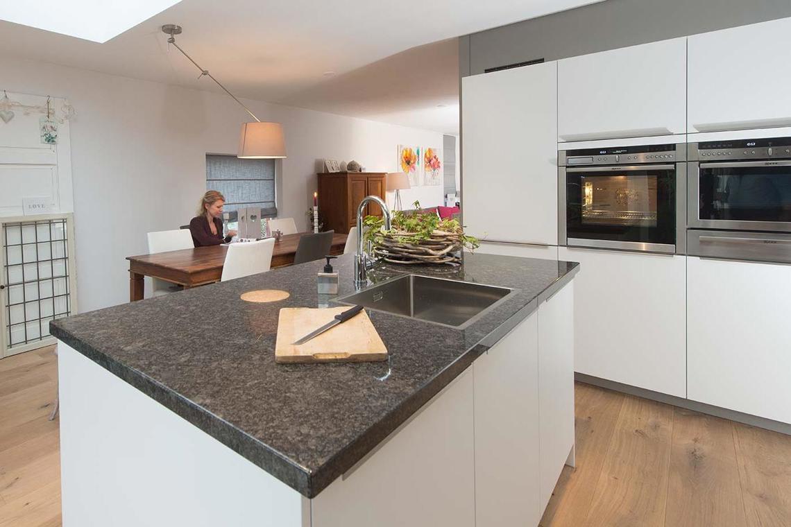 Moderne keukens. Onderscheid jezelf met strak design. - DB Keukens