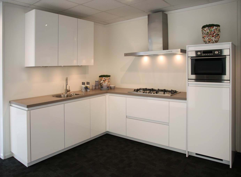 Kleur Moderne Keukens : Design keuken in de kleur wit. - DB Keukens