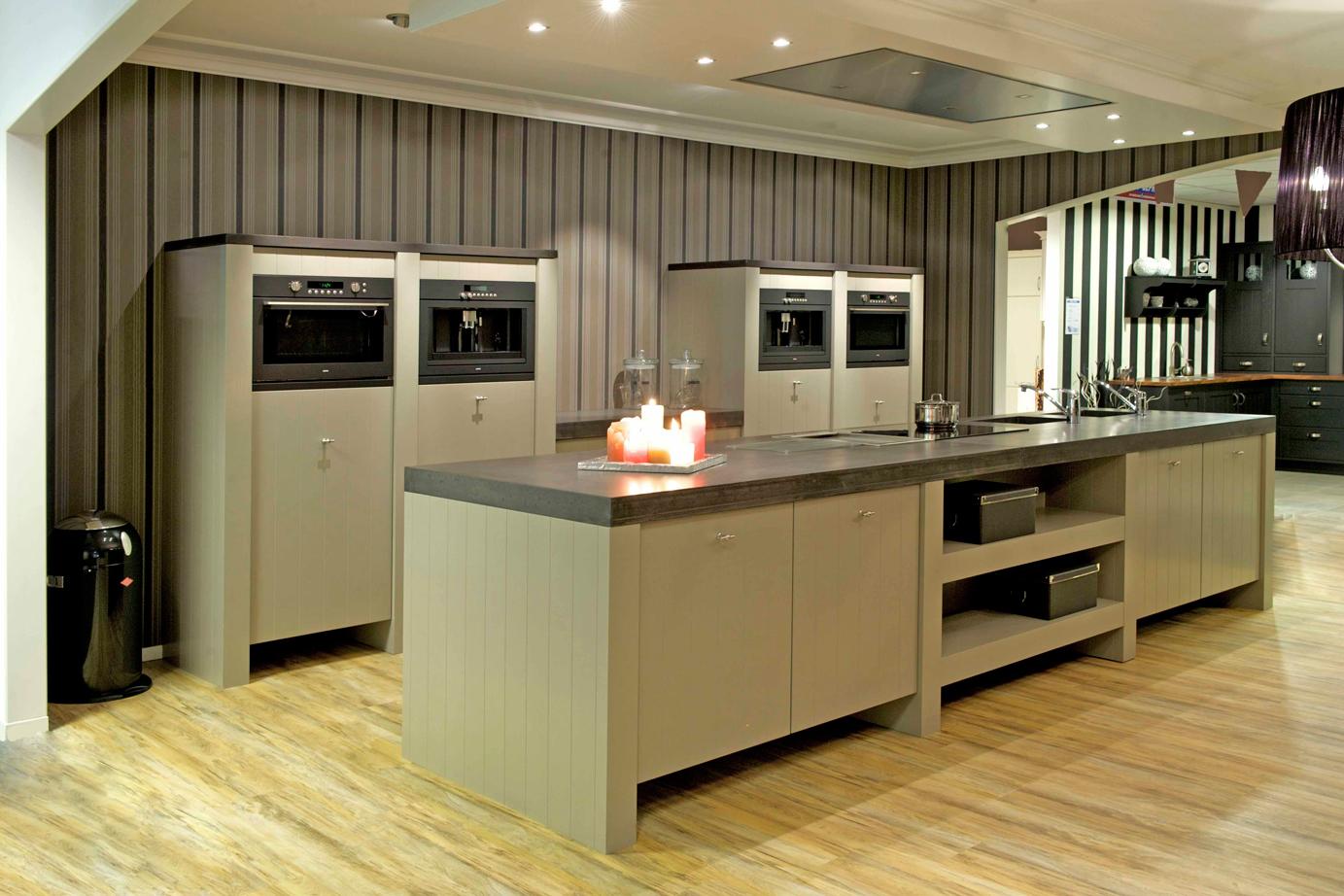 Keukens Met Kookeiland : Keuken met kookeiland Bijzonder aanrechtblad DB Keukens