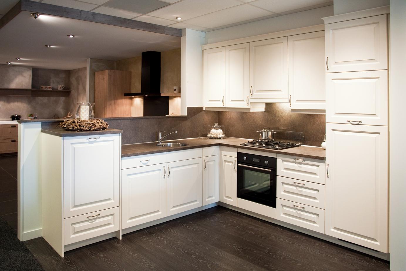 Keuken Zonder Apparatuur : Landelijke keuken Incl set Pelgrim apparatuur DB Keukens