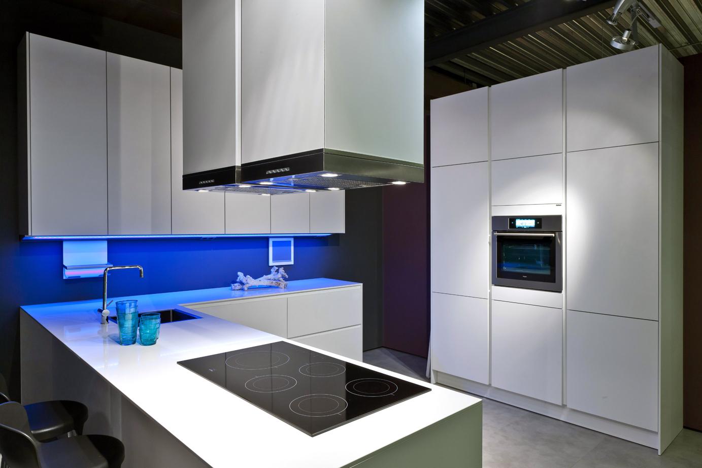 Siemens Keukens Nederland : Moderne greeploze siematic design keuken lelieblank db keukens