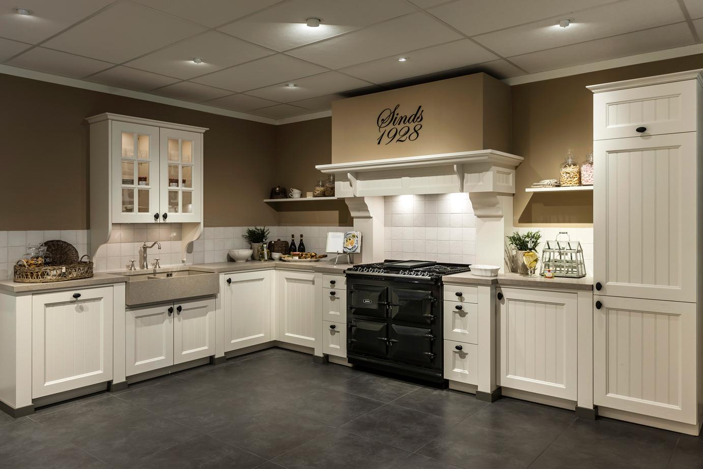 Landelijke Keuken Fornuis : Landelijke Keuken Landelijke Keuken Met Vrijstaand Aga