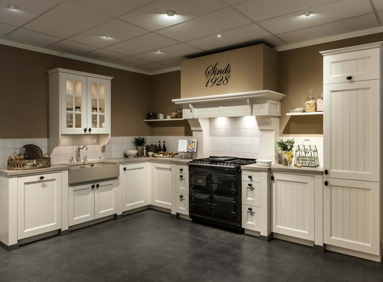 Landelijke keuken te koop for Ouderwetse keuken te koop