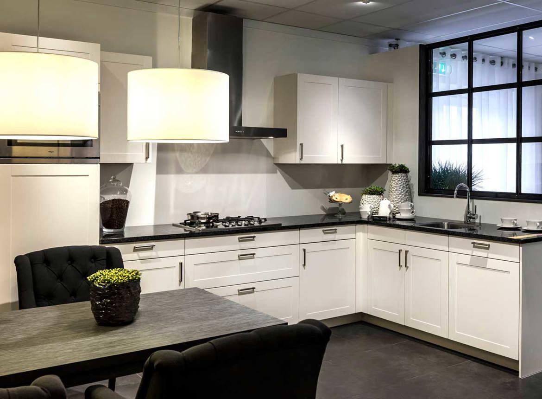 Tijdloze keuken strak design db keukens - Keuken ontwerp lineaire ...