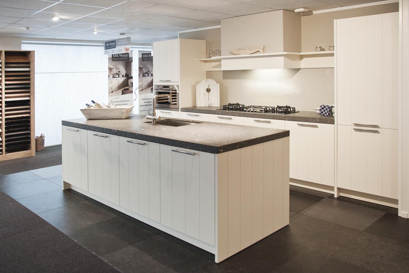 Keuken Hout Kind : Keukens van hout. Voor elk budget. Ook met wit! – DB Keukens