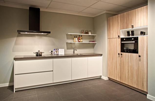Design keukens geen ontwerp te extreem gedurfd db keukens for Ouderwetse keuken te koop