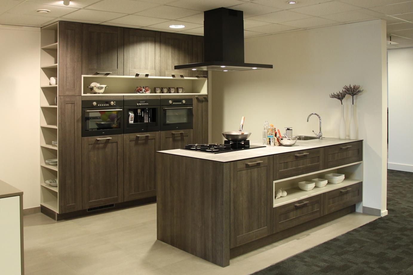 Afmetingen Keuken Kookeiland : Keuken met kookeiland. Exclusieve Old Wood keuken. – DB Keukens