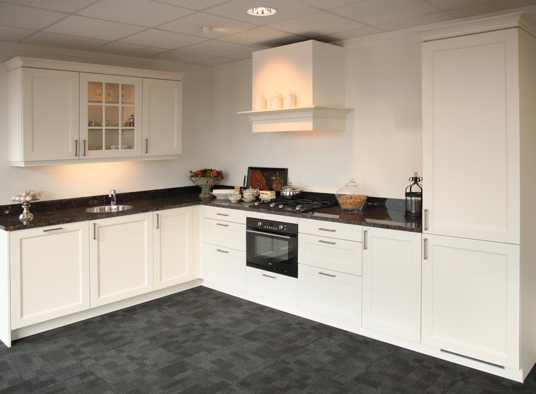 Landelijke keuken met pelgrim apparatuur db keukens - Mode keuken deco ...
