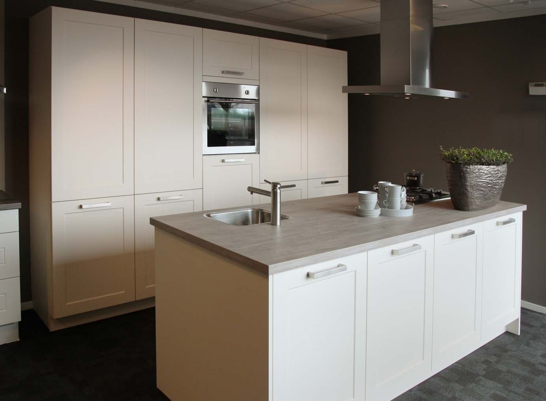 Keuken met luxe kookeiland - DB Keukens