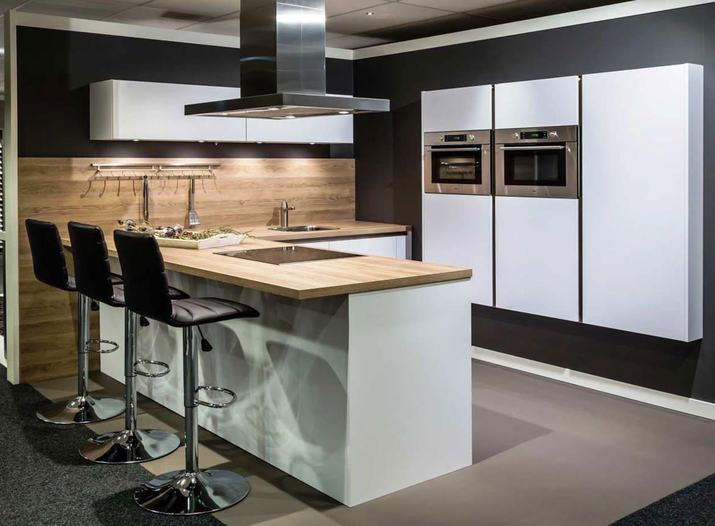 Greeploze design keuken inclusief kastenwand db keukens for Greeploze keuken