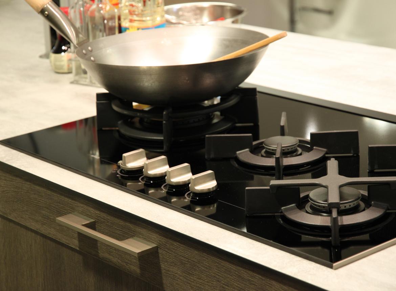 Keuken met kookeiland exclusieve old wood keuken db keukens - Prijs keuken met kookeiland ...