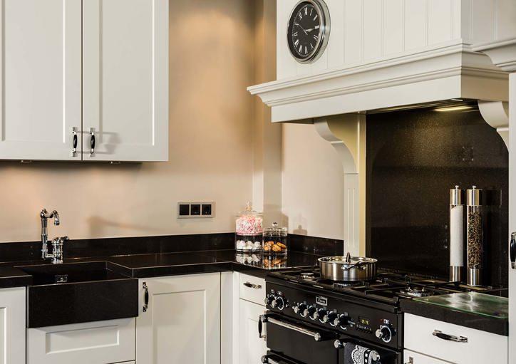 Veel keus in wonen landelijke stijl keukens db keukens - Welke kleur in een keuken ...