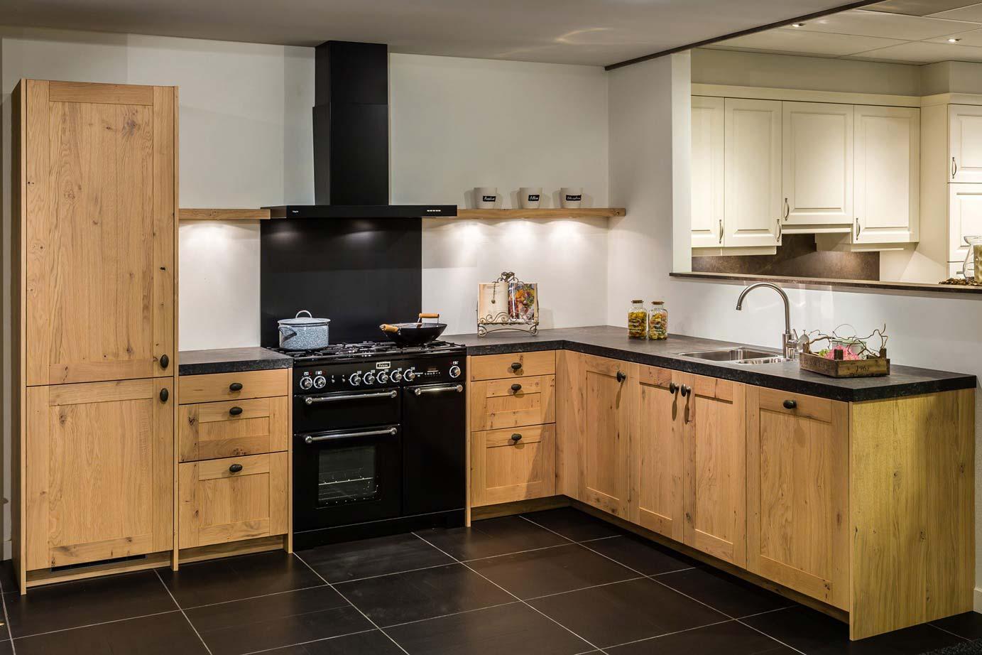 Keukens Van Massief Hout : Houten keuken Voor elk budget en stijl Ook met wit DB