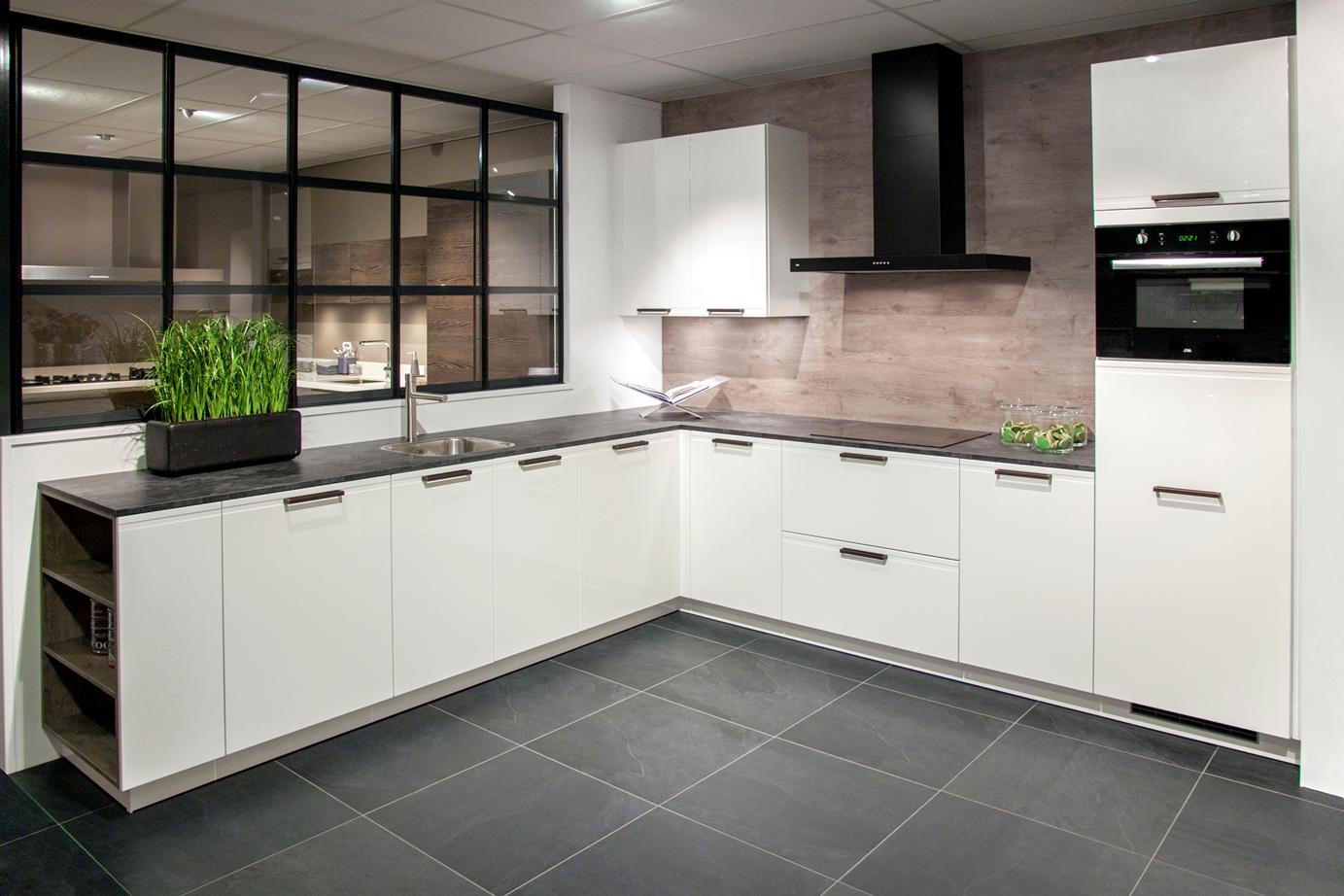 Keuken Met Gratis Montage : Tijdloze keuken. Werkblad 65 cm diep! – DB Keukens