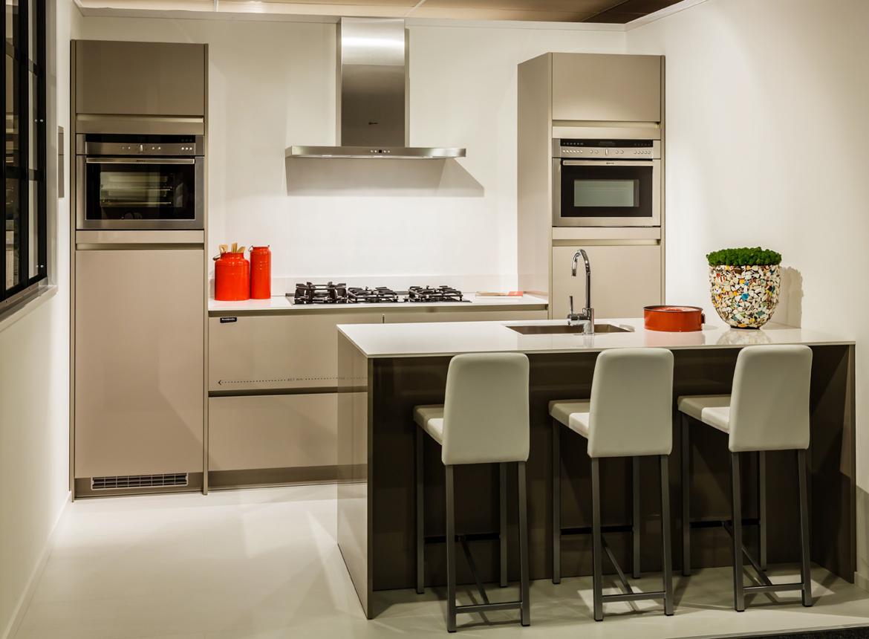Design keuken met luxe apparatuur - DB Keukens