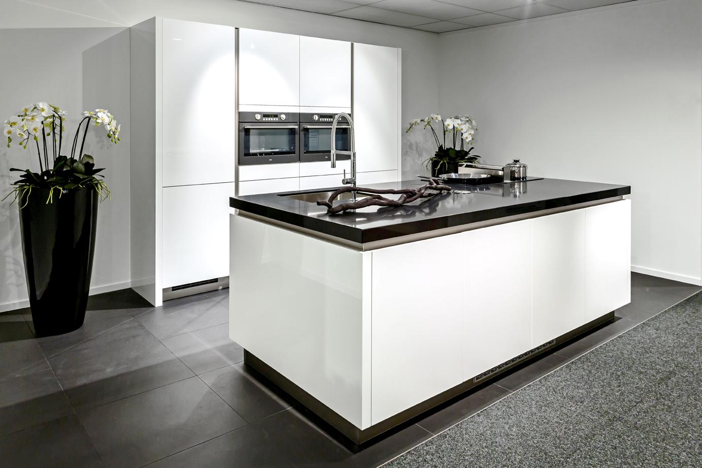 Moderne Keuken Met Eiland : Moderne keuken met eiland