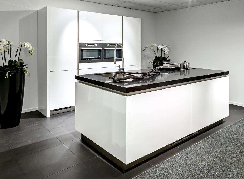 Moderne keuken eiland - Moderne apparaten ...