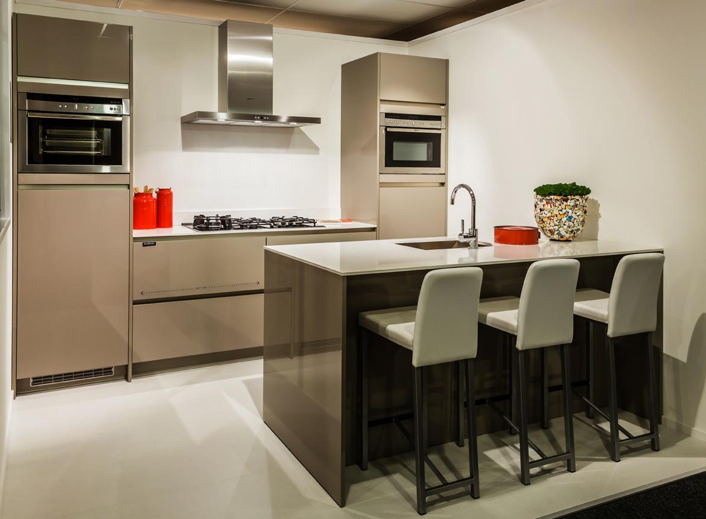 Design keuken met luxe apparatuur   db keukens