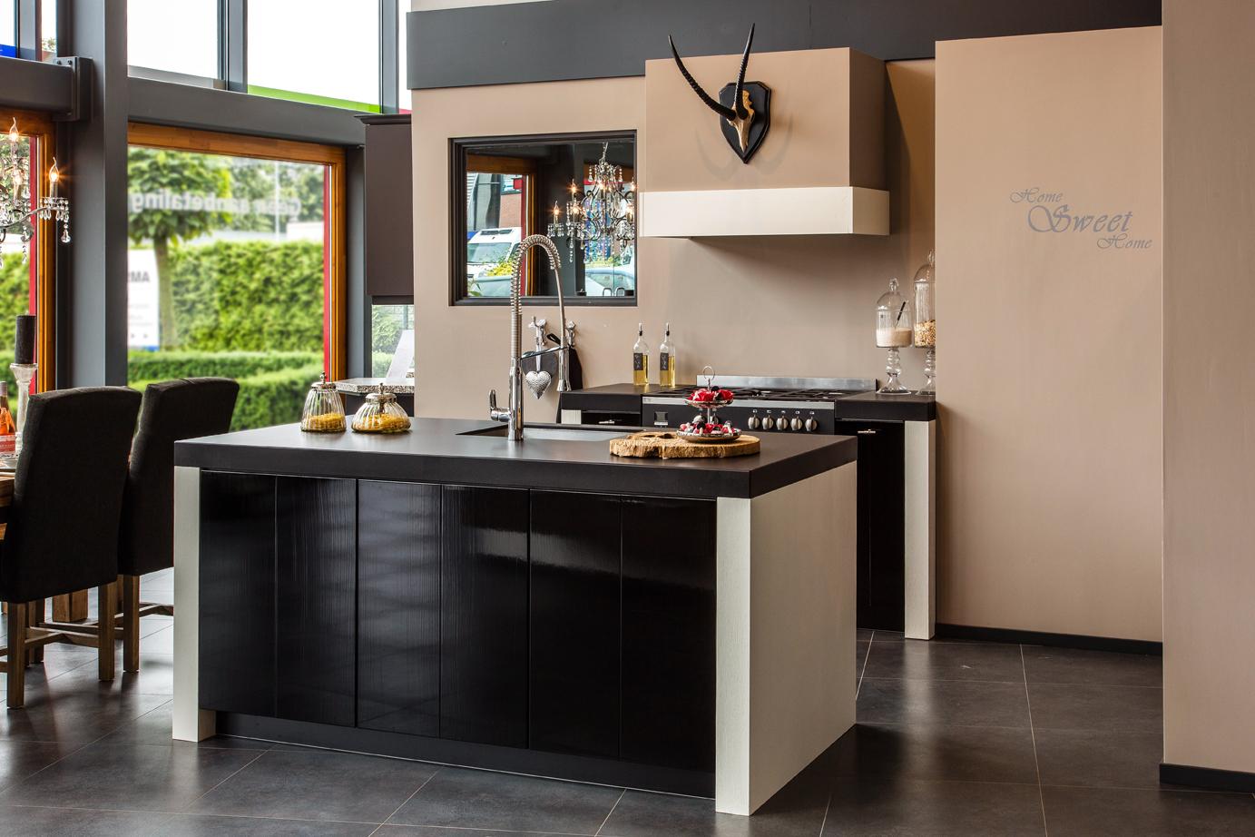 Strakke Keuken Met Eiland : Keuken met keukeneiland – DB Keukens