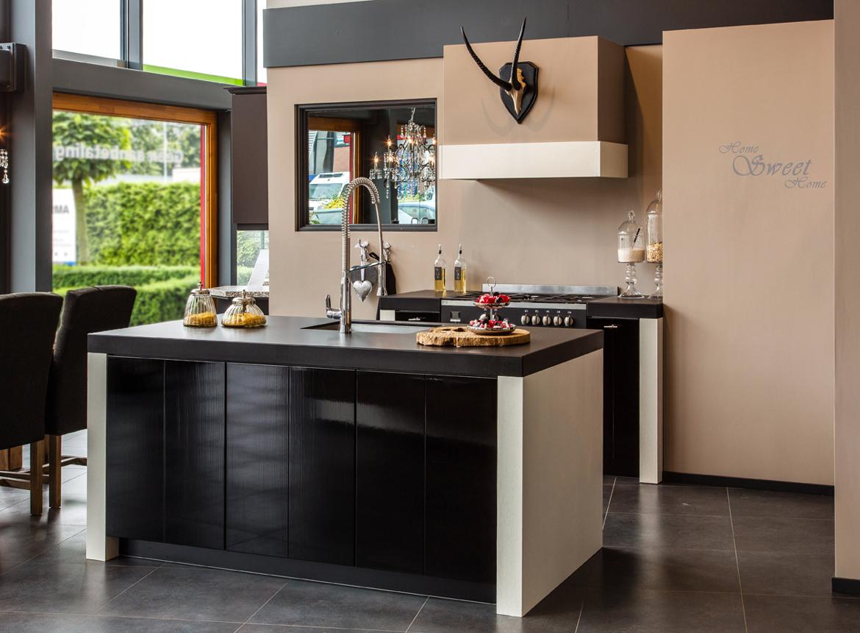 Keuken met keukeneiland db keukens - Serveren eiland keuken ...