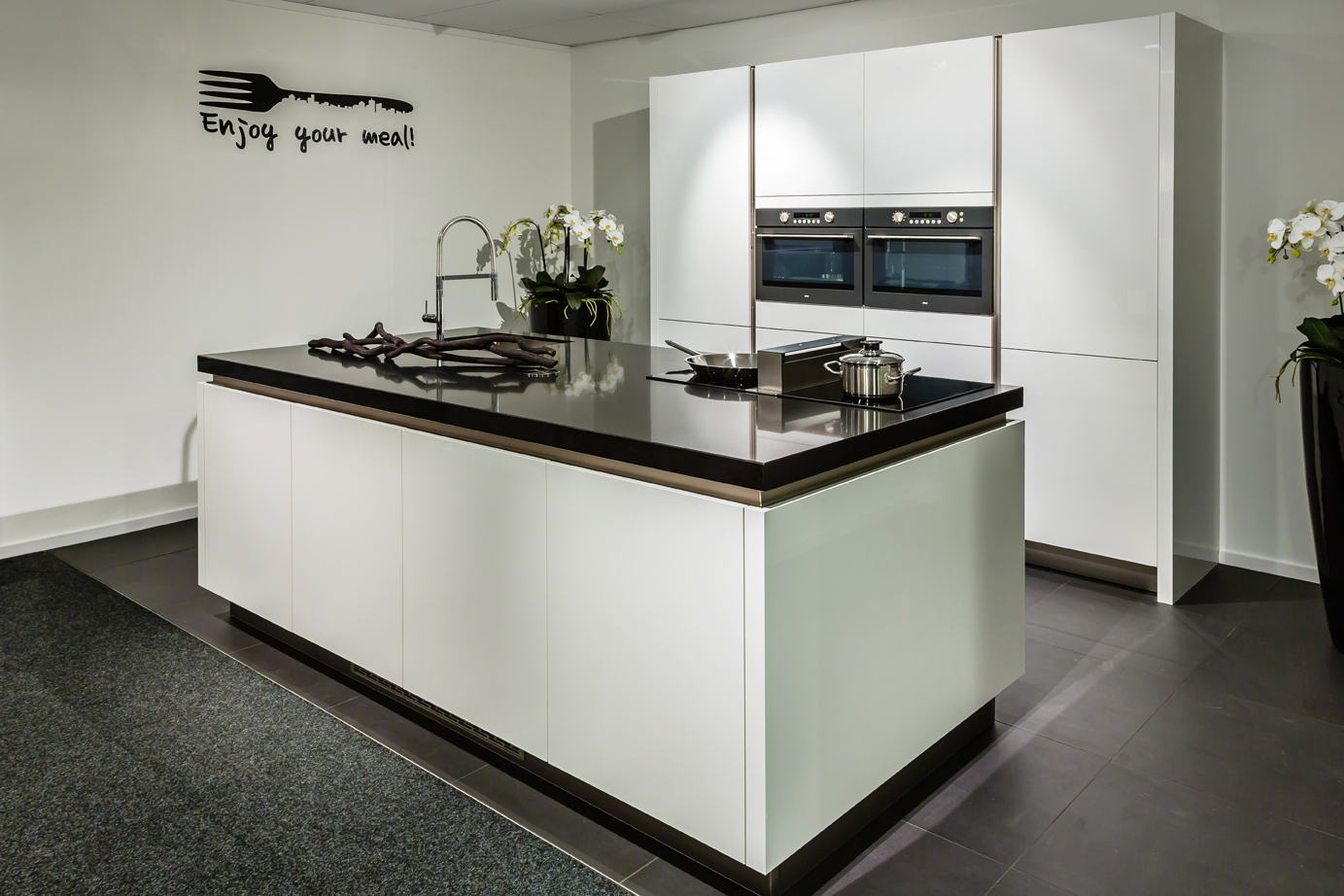 Afmetingen Schiereiland Keuken : Moderne Keuken Met Schiereiland : Greeploze keukens Crystal, kleur
