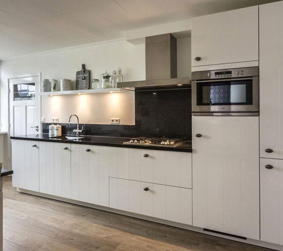 Witte keuken gevoel van rust en ruimte laat u inspireren db keukens - Keuken wit en groen ...