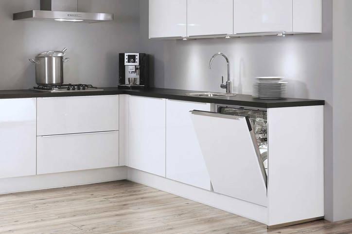 Greeploze keuken. Strak design en prettig gebruik. - DB Keukens