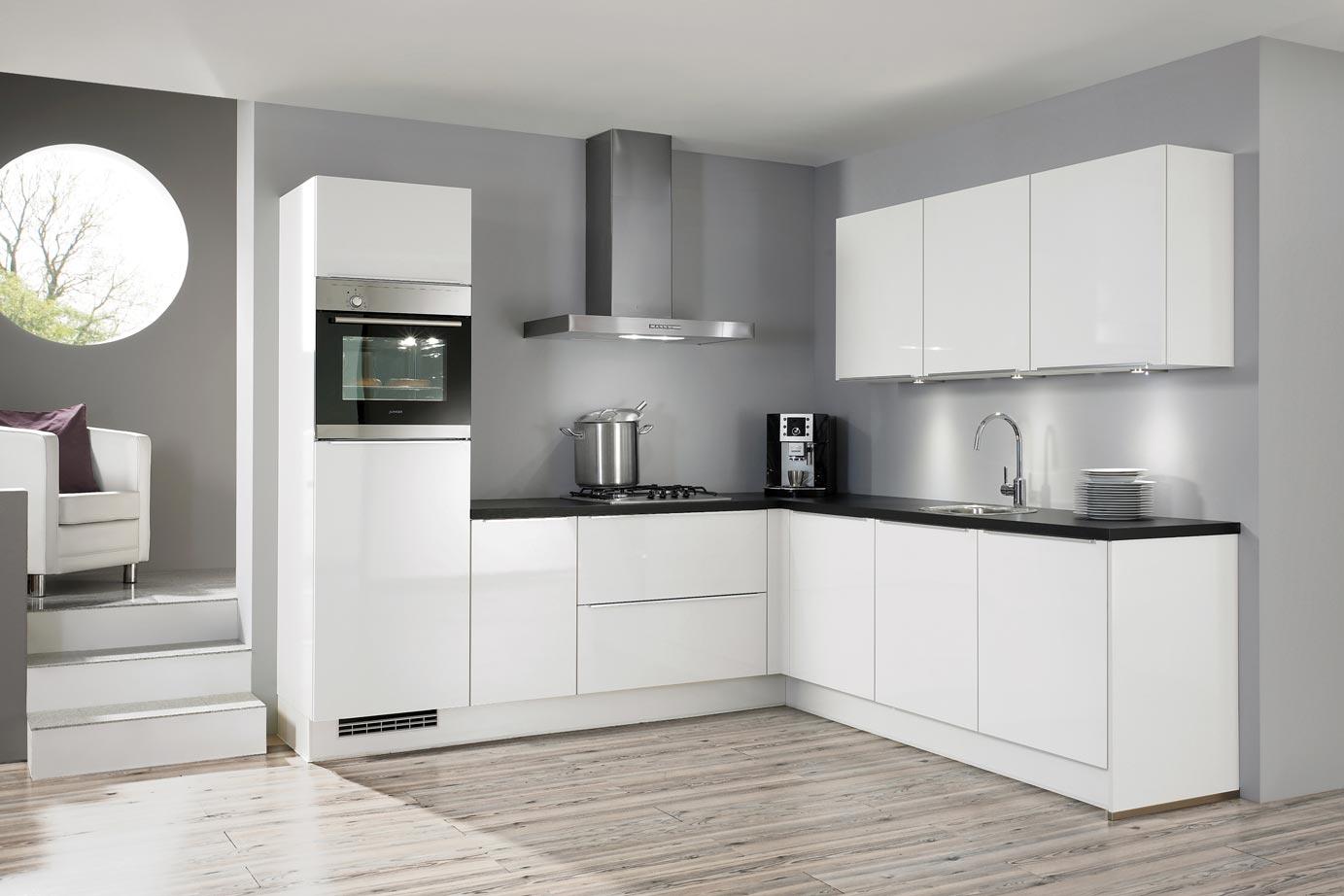 Grijze Keuken Met Wit Blad : Hoogglans keuken. chique in modern interieur! db keukens