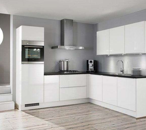 Hoogglans keuken chique modern hip bekijk voorbeelden db keukens - Witte keukenfotos ...
