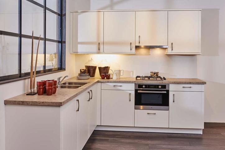 Keukenrenovatie in heel Nederland met eigen monteurs - DB Keukens