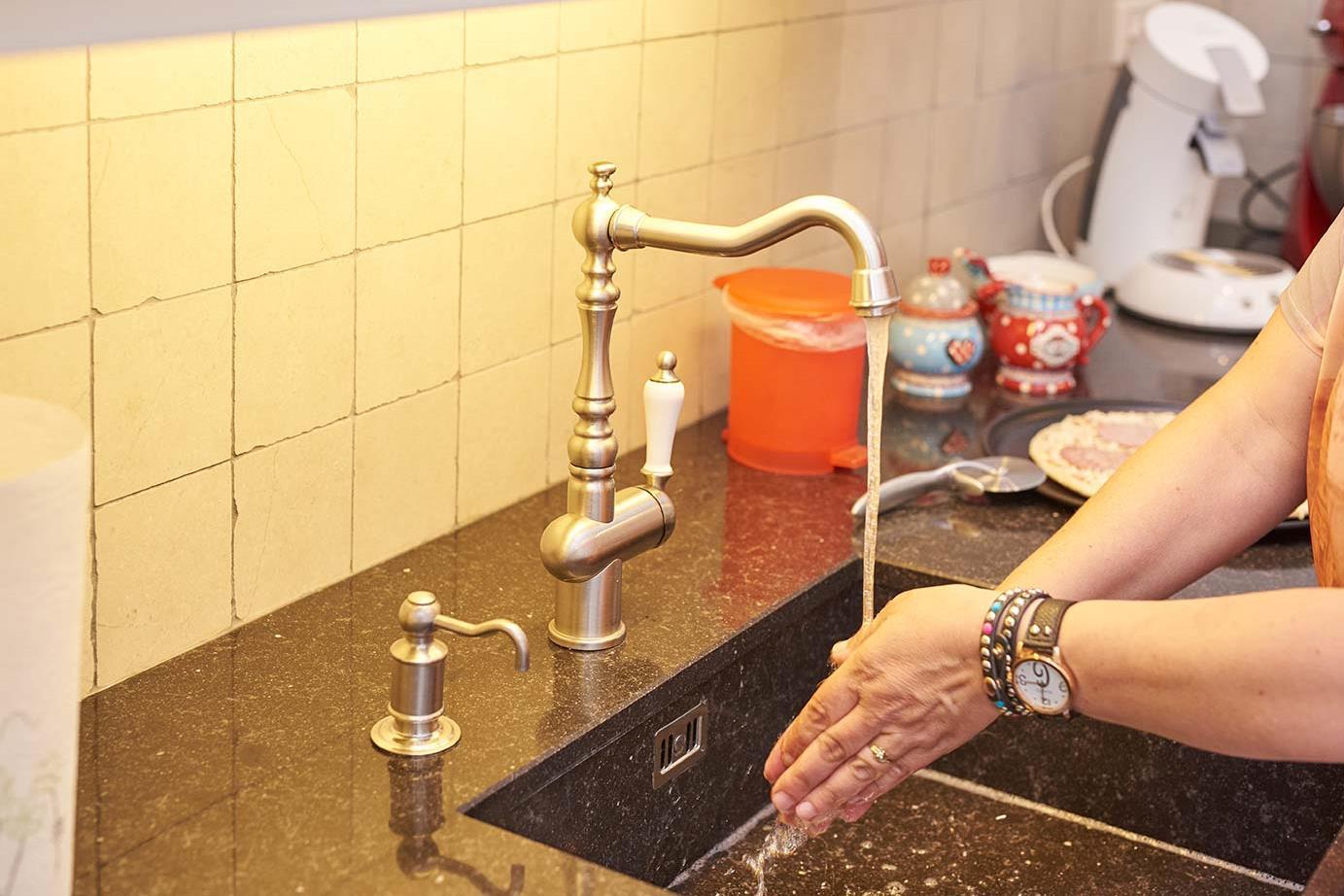 Hoogte Werkblad Badkamer : Standaard hoogte en diepte van aanrechtblad en keukenkast db keukens