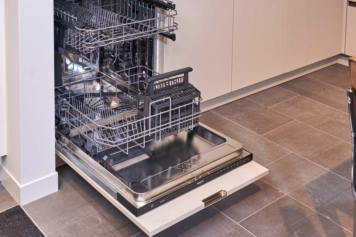 Greeploze Keuken Vaatwasser : Greeploze keuken met kunststof aanrechtblad – DB Keukens