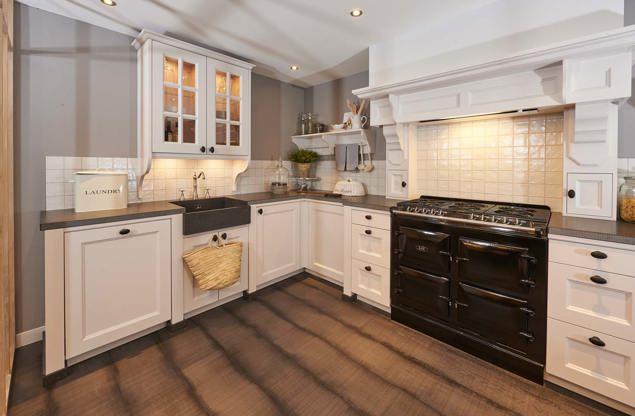 Witte Keuken In Prachtige Ruime Opstelling : Landelijke keuken ...