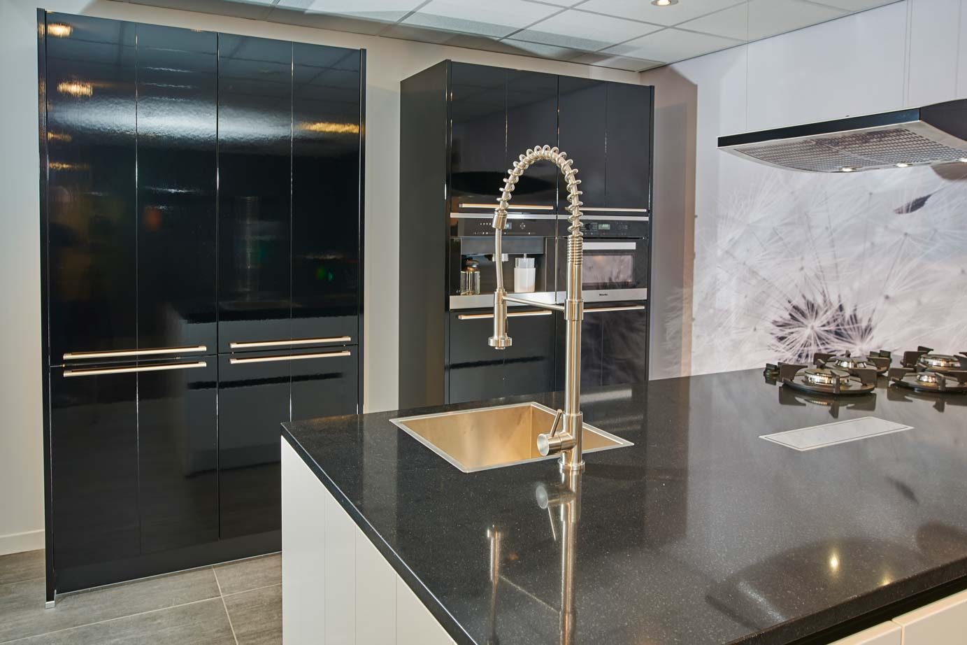 Goedkope Keuken Kastenwand : Greeploze keuken – DB Keukens