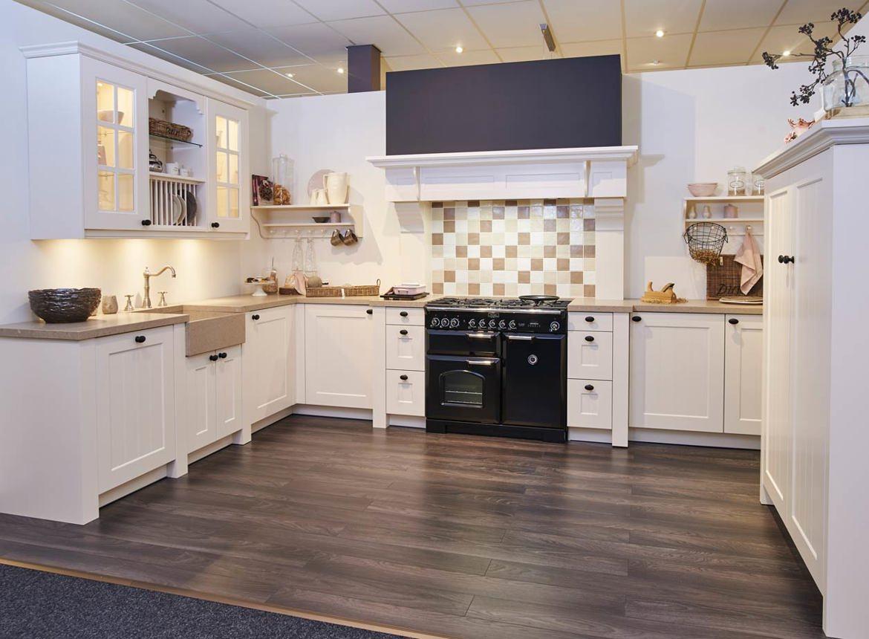 Grote landelijke keuken met falcon fornuis db keukens for Landelijke keuken
