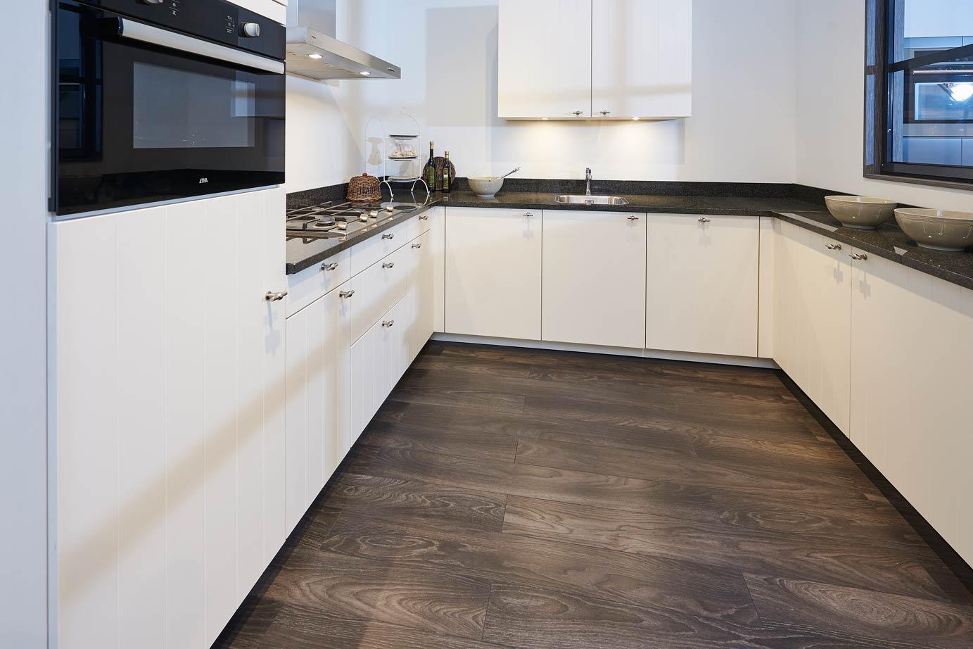 Keuken U Vorm : Tijdloze keuken in u vorm veel ruimte db keukens