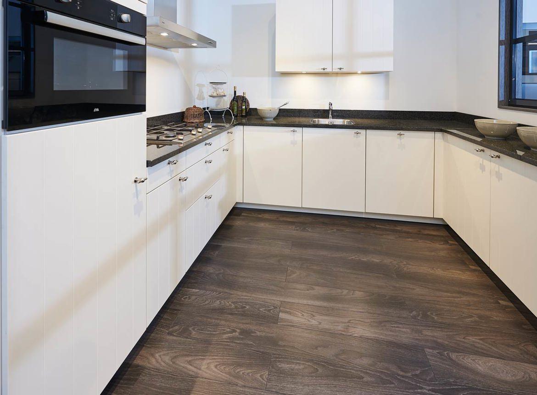 U Vorm Keuken : Tijdloze keuken in u vorm veel ruimte! db keukens