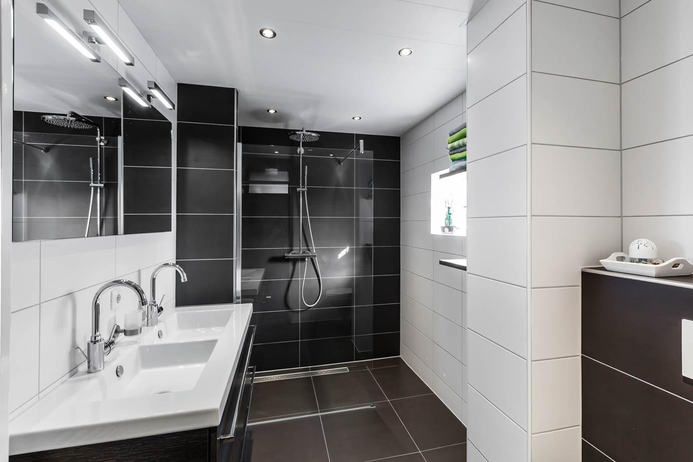Complete Badkamer Almere : Badkamer kopen in almere lees deze klantervaring db keukens