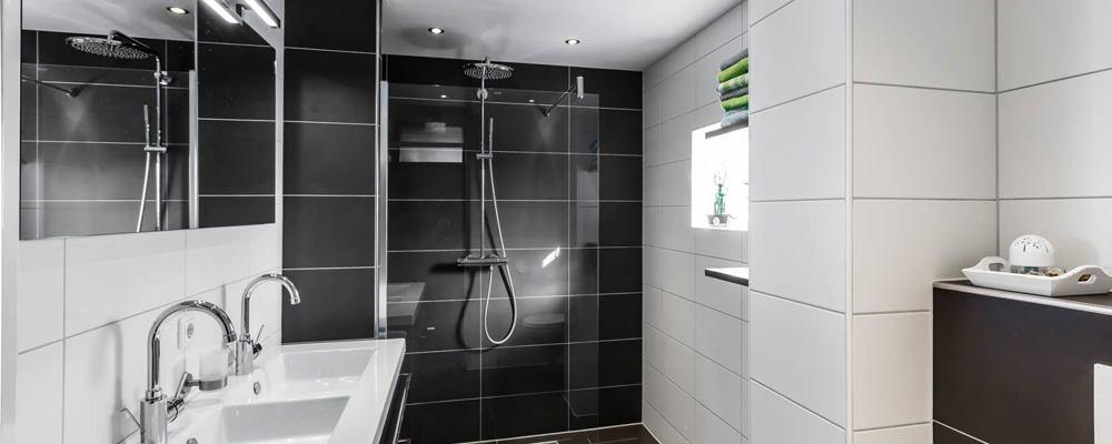 Badkamer kopen in Almere? Lees deze klantervaring! - DB Keukens
