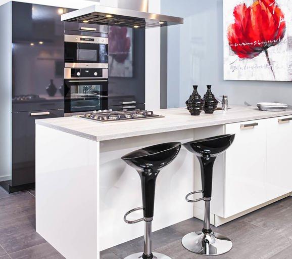 Grote keuken met kookeiland hoeveel werkruimte keuken parallel keukens paralelle keuken een - Grote keuken met kookeiland ...