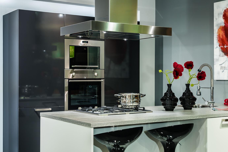 Keuken Kookeiland Showroom : keukeneiland of kookeiland? Lees alles over deze indeling – DB Keukens