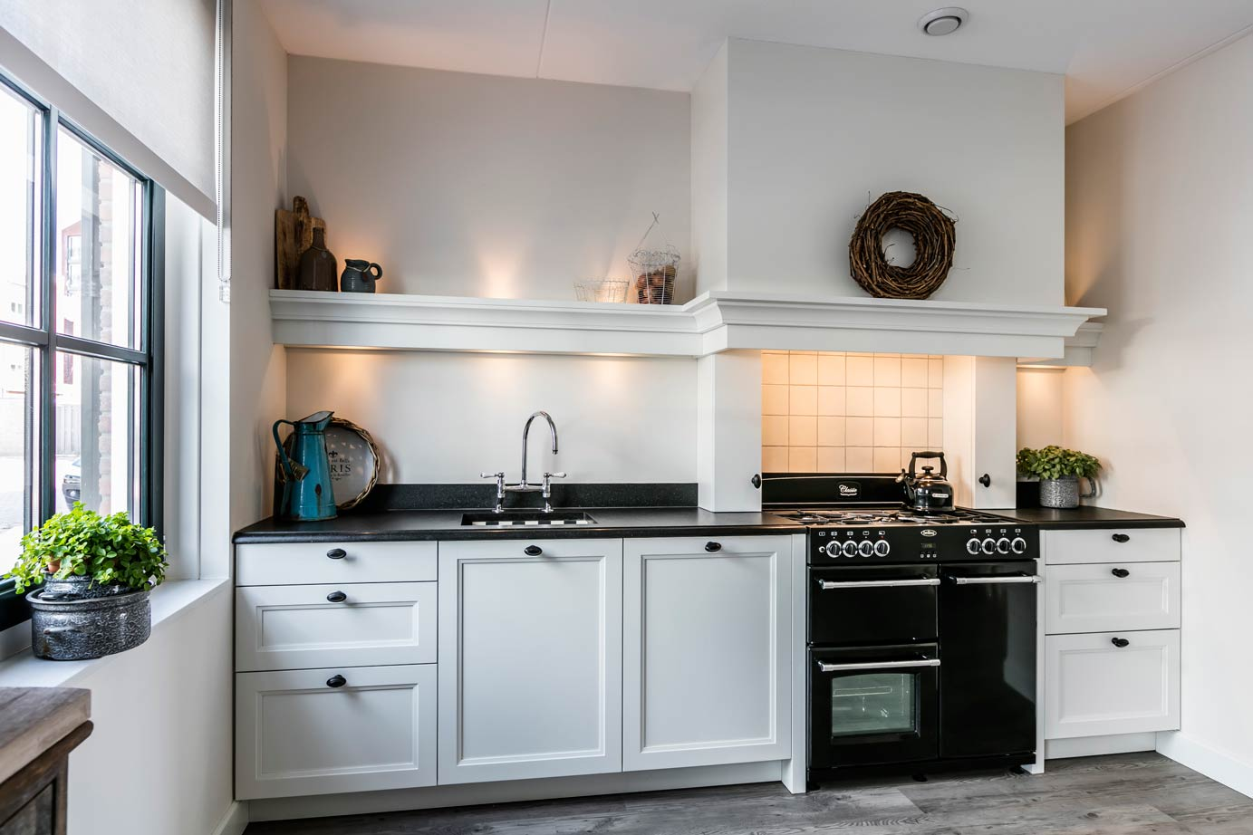 Hoogglans Witte Keuken : Witte keuken gevoel van rust en ruimte laat u inspireren db
