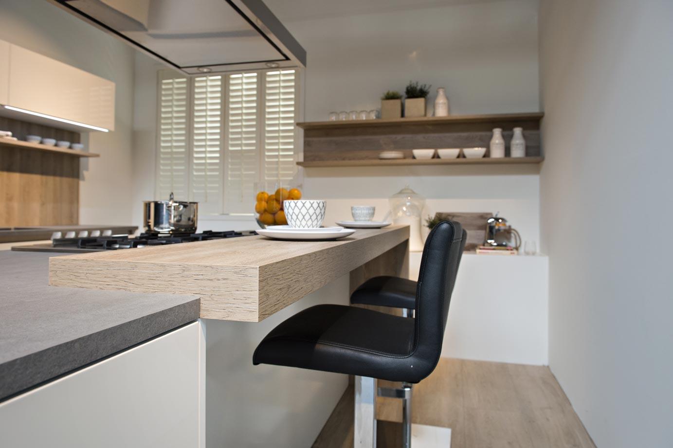 Kookeiland Afbeeldingen : Moderne keuken met kookeiland DB Keukens