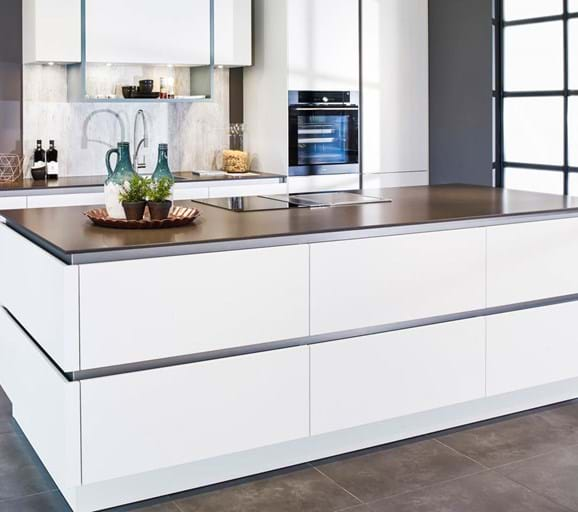 60 moderne keukens incl foto s en prijzen db keukens - Moderne keukenfotos ...