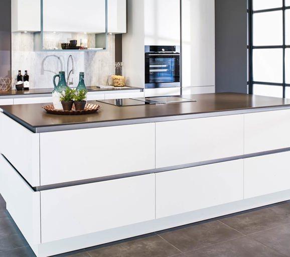 60 moderne keukens incl foto s en prijzen db keukens - Center meubilair keuken ...